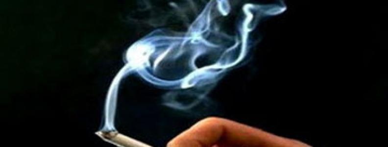Ăn gì để giảm tác hại của thuốc lá?
