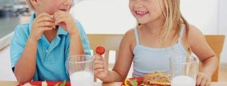 Biện pháp trị chứng bé biếng ăn đơn giản tại nhà